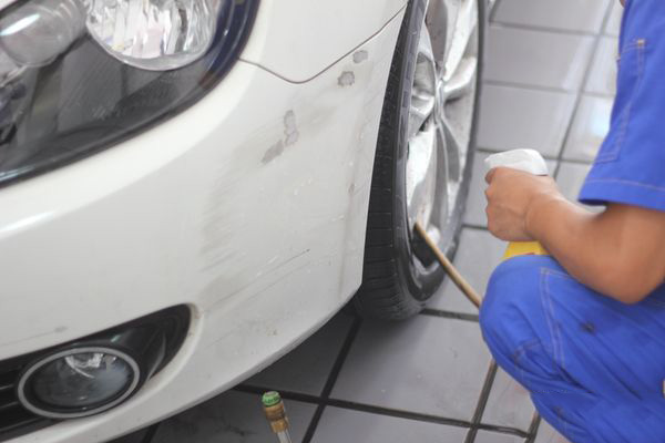 Hard cleaning, waxing, aluminum alloy wheel maintenance method